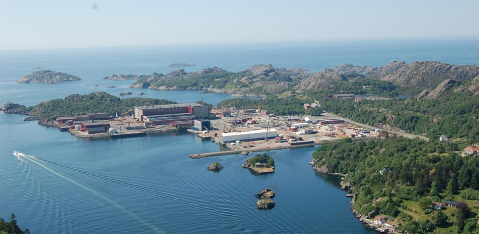 Estaleiro Egersund da Aker Solutions na Noruega onde se realizaram parte dos trabalhos no Kaombo